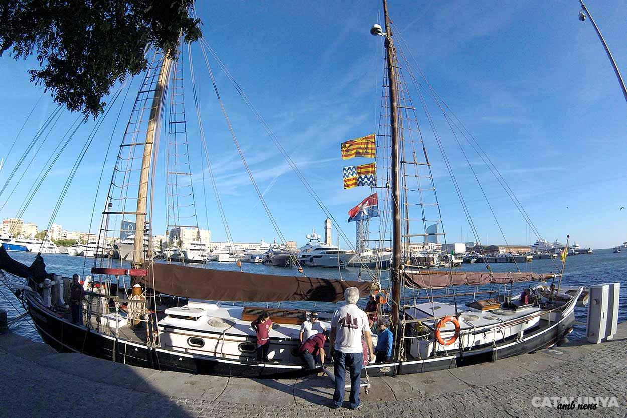 El vaixell amarrat al Port de Barcelona