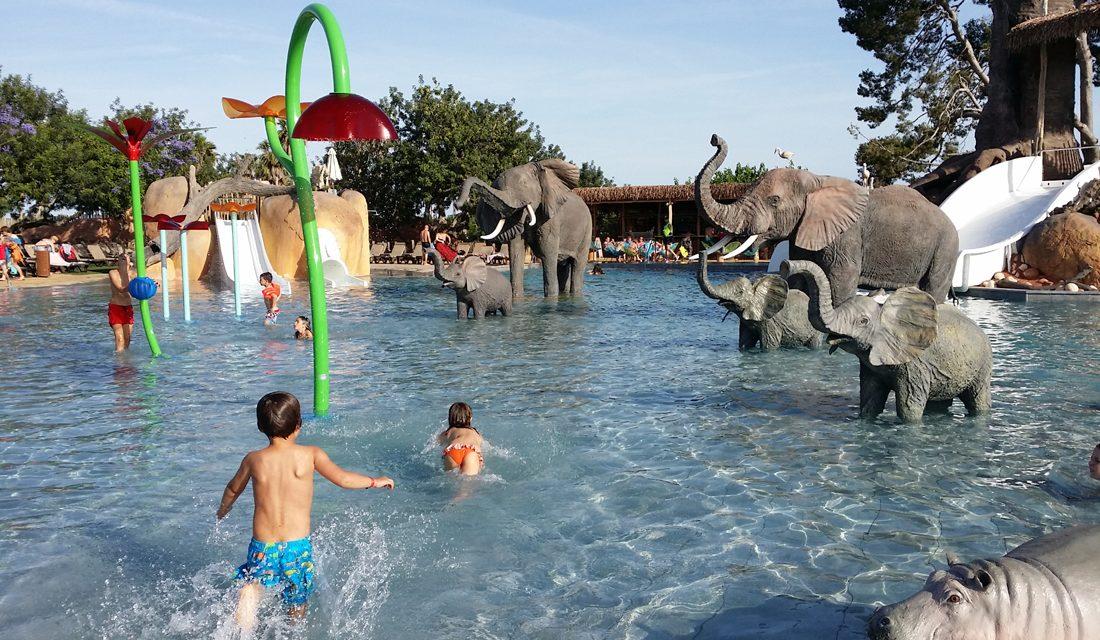 Espectacular zona d'Àfrica al Càmping Resort Sangulí Salou