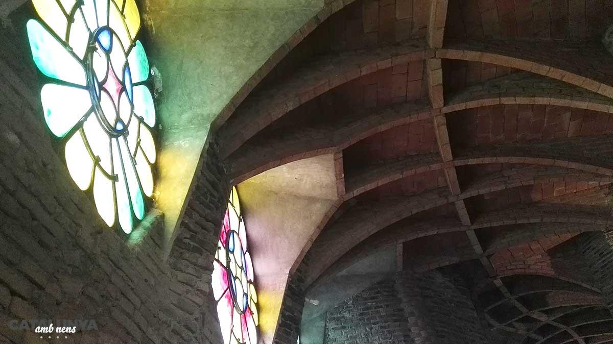 Vitralls a la Cripta Gaudí