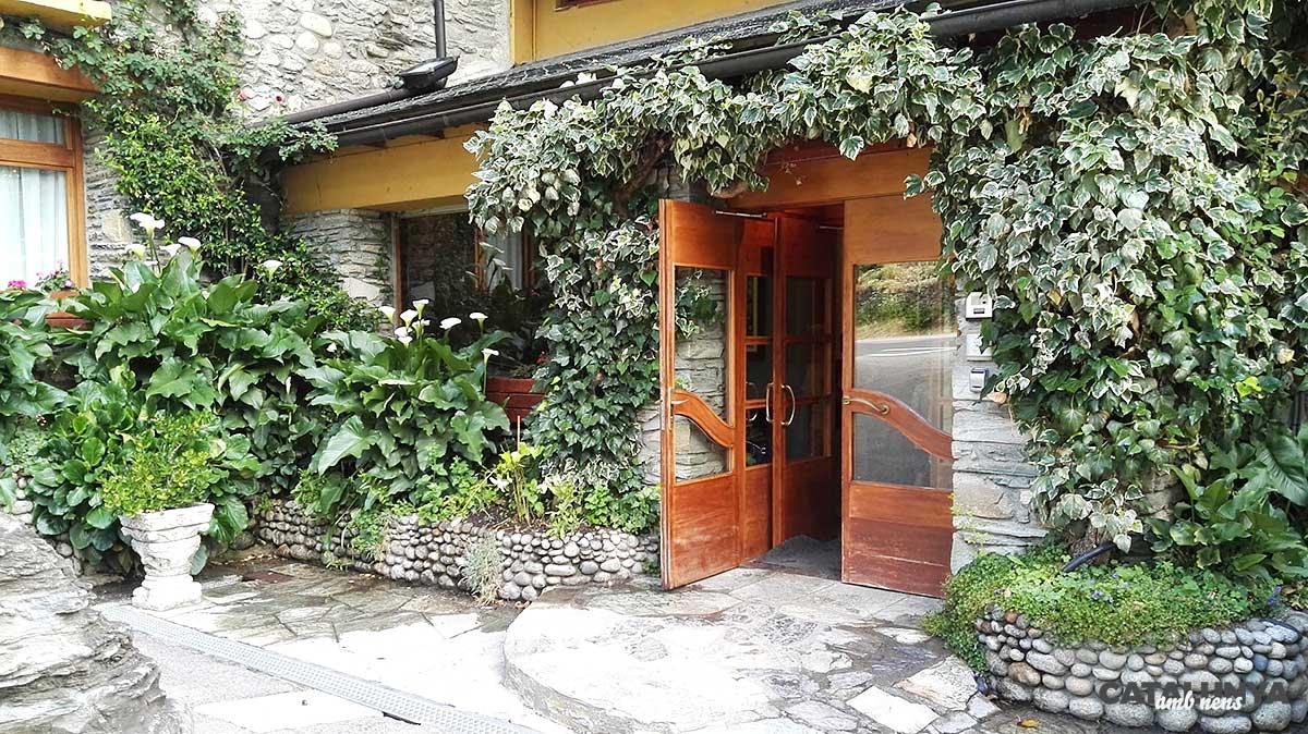 Entrada a Hotel Castellarnau
